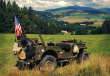 Old Fighting Jeep Willys In Te...