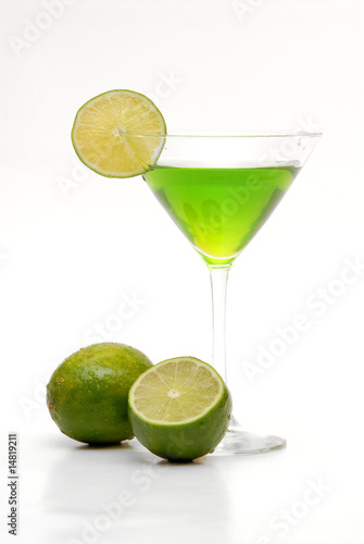 Staande foto Opspattend water lime martini