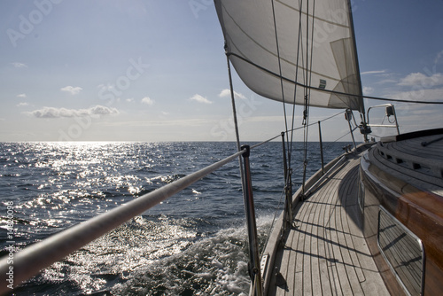 Deurstickers Zeilen Segelschiff auf See