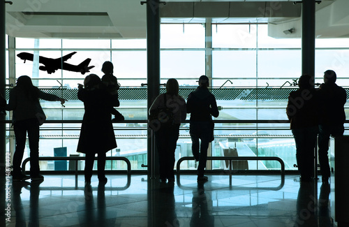 Keuken foto achterwand Luchthaven people in the airport