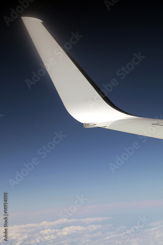 Aile d'avion dans le ciel