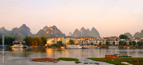 Stickers pour porte Guilin Le village de Yangshuo en chine