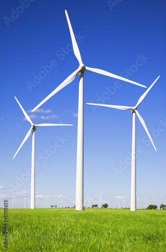 Fotografía  Windmills against blue sky