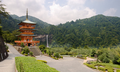 Obraz na SzkleBuddhist pagoda and Nachi falls in Japan