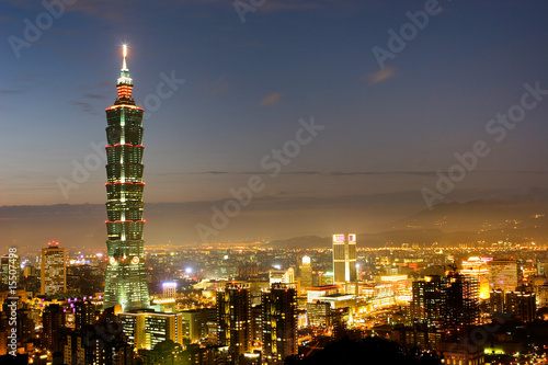 Photo Night scene of Taipei 101