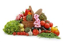 Légumes Débordant D'un Panier En Osier