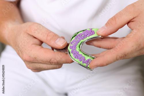 Valokuvatapetti vorbereitung eines zahnabdrucks