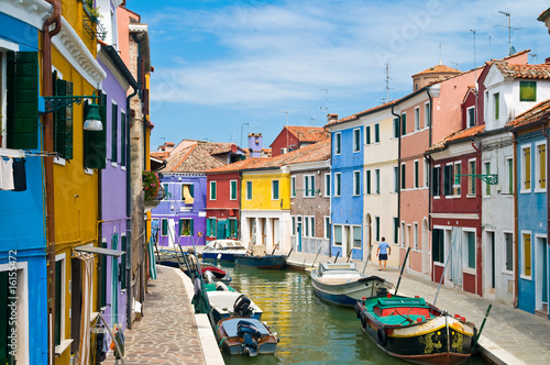 Kanal in Burano Venedig Canvas-taulu