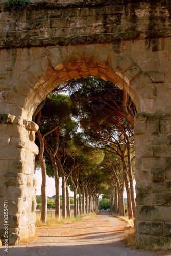 luk-akweduktu-rzym-kamienny-lek