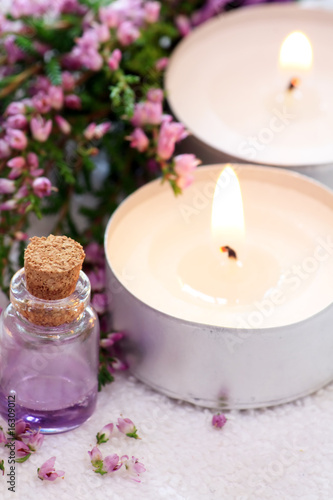 Plissee mit Motiv - Lavender spa with essential oil and candles