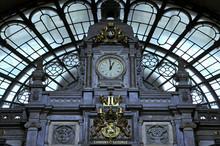 Antwerpen - Train Station Watch