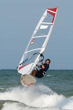 Windsurf Jumping Over Wawe 3