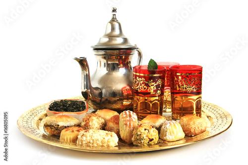 Fotografia  Patisseries orientales et thé vert à la menthe