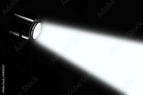 Obraz scheinwerfer spot lichtstrahl bühne - fototapety do salonu