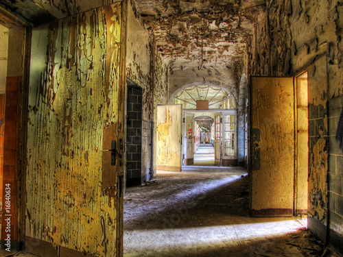 Photo sur Aluminium Ancien hôpital Beelitz altes Beelitz-Heilstätten