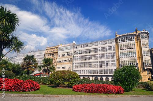 Casas con galerías en La Coruña (Galicia).