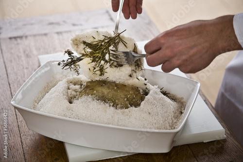 Valokuvatapetti poisson en croute de sel