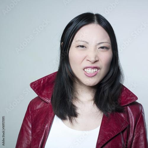 Photo femme Asiatique dégout