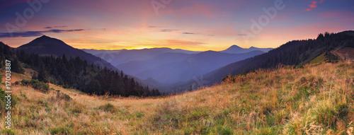 Foto op Plexiglas Crimson morning in mountains