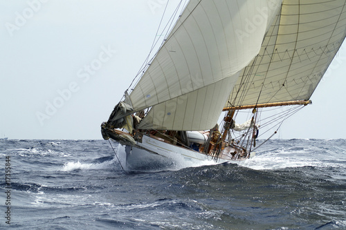 Canvas Prints Ship klassische Yacht in voller Fahrt