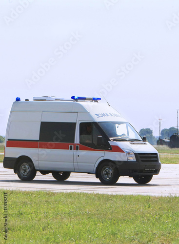 Deurstickers Oude auto s Emergency ambulance