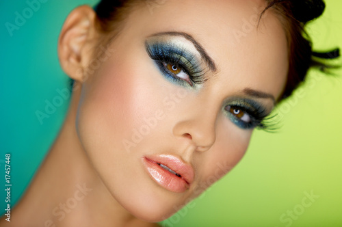 Fotografía  Portrait of sexy woman with outstanding makeup