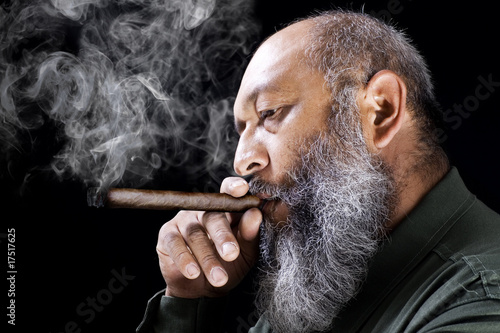 Fotografie, Obraz  Man smoking cigar