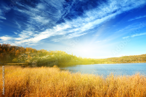 Keuken foto achterwand Honing autumn lake in north mountain