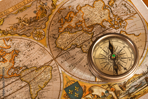 Tuinposter Wereldkaart Old Map and Compass Concepts