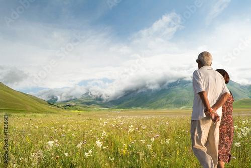 Photo passeggiare nella natura
