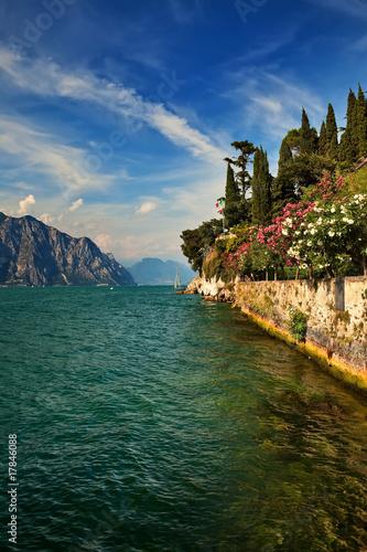 Obraz na płótnie Garda Lake view from Malcesine to north.