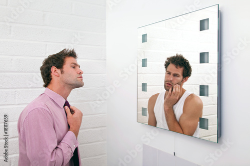 Fotografering  Two sides of getting ready in the morning