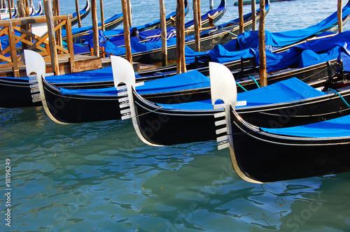 Spoed Foto op Canvas Gondolas Gondolas in Venice