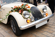 Vintage Wedding Car Decorated ...
