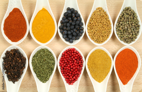 Fototapety, obrazy: Colorful spices