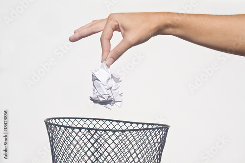 Fotomural Hand with garbage