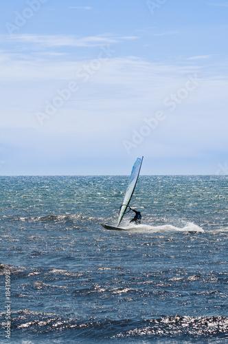 Staande foto Zeilen Windsurfer
