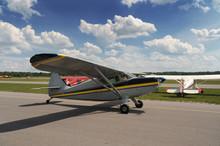 Vintage Plane Prepares Fot Take-off (3)