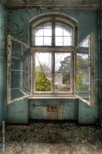 Papiers peints Ancien hôpital Beelitz open window