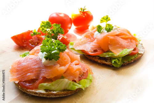 Recess Fitting Appetizer Snack mit Lachs