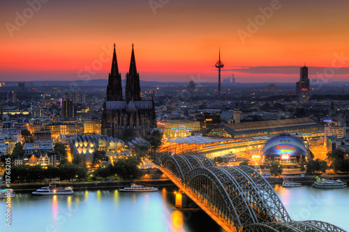 Fotografía  Köln am Abend