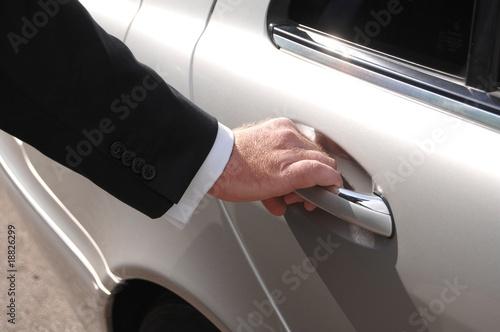 Photo  Chauffeur opening door