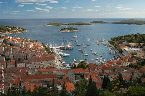 Widok na Hvar - Chorwacja - 18882470