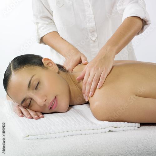 femme nue massage