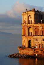 Palazzo Donn Anna In Via Posil...