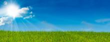 Ciel Bleu Soleil Et Herbe Vert...