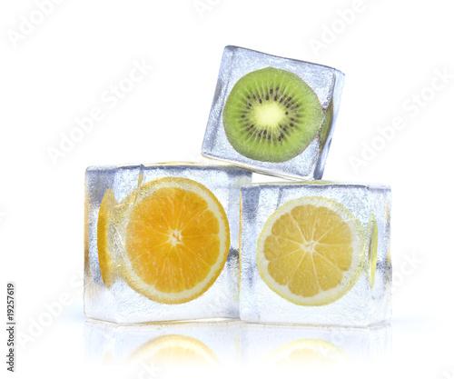 Poster Dans la glace frozen citrus