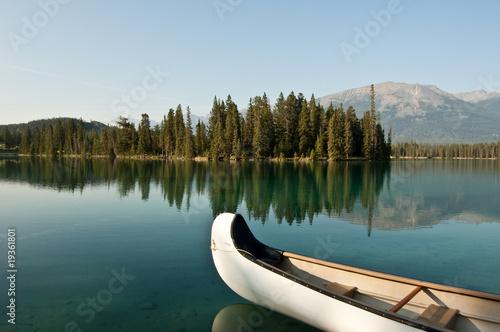 Spoed Foto op Canvas Canada Lake Beauvert, Jasper, Alberta, Canada