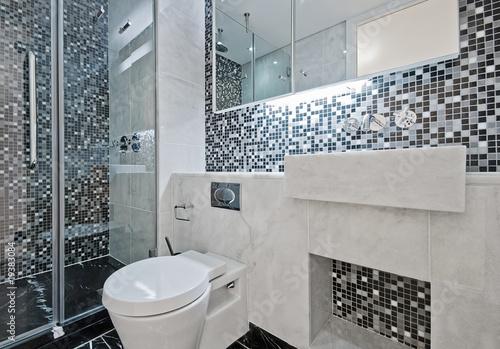 Valokuva  bathroom with mosaic tiles