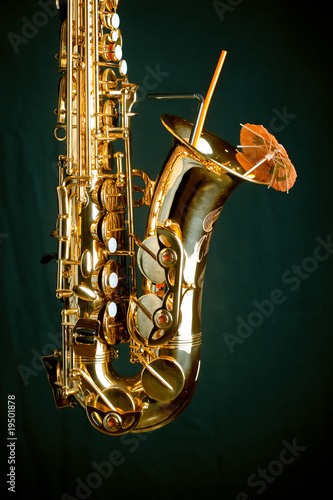 Gold sax on green Wallpaper Mural